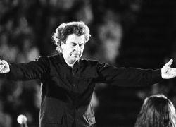 Αποχαιρετούμε έναν μεγάλο Έλληνα με παγκόσμιο κύρος